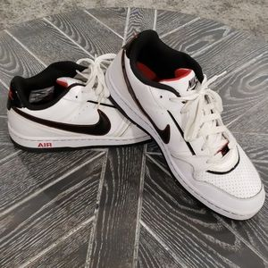 Nike Air Prestige lii Low Tops